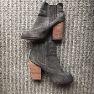 Jeffrey Campbell Grey Suede Knock-Out Booties 10